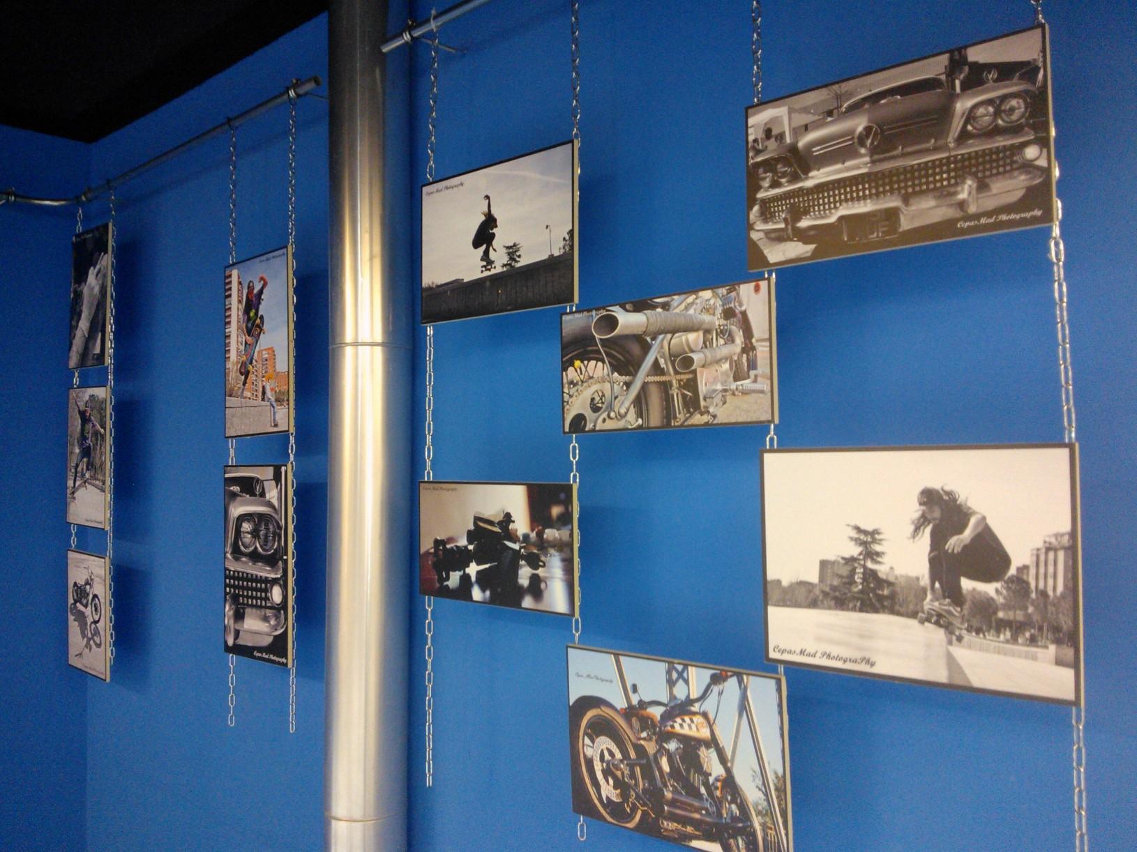 """Detalle de la exposición del fotógrafo Cepas Mad en el Espacio Joven """"La Plaza"""""""